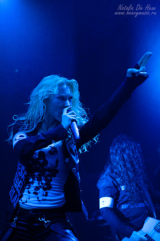 Фотография Arch Enemy #18, 10.12.2011, Germany, Geiselwind, Eventhalle