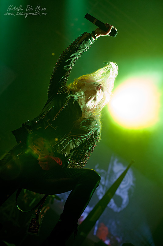 Фотография Arch Enemy #4, 10.12.2011, Germany, Geiselwind, Eventhalle